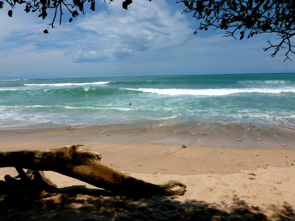 pacifique cabo blanco plage